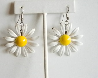 Enamel White Daisy Yellow Center Dangle Pierced Earrings