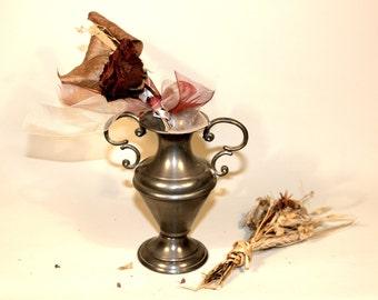 Small Flower Vase, Solder Vase, Vintage bud vase, Floral Vase, Vase, Slim vase, flowerpot, Flower vase, flower vases, Table decor, Signed.