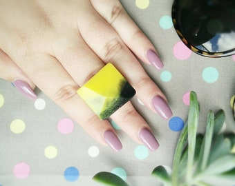 Chunky Resin Ring-Yellow and Black Resin Pyramid Ring-Yellow Resin RIng-Black Resin Ring- Resin Jewelry-Size 8-Black & Yellow Resin Jewelry