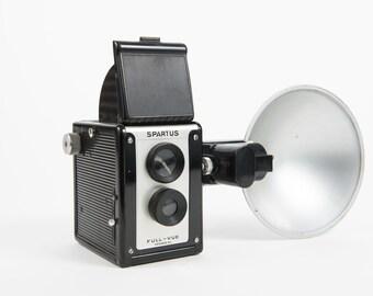 Spartus Full-Vue TLR camera with flash gun