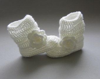 Crochet booties,crochet baby shoes,crochet boots,baby boots,baby booties,newborn boots,ankle boots,baby ankle boots,baby shower gift