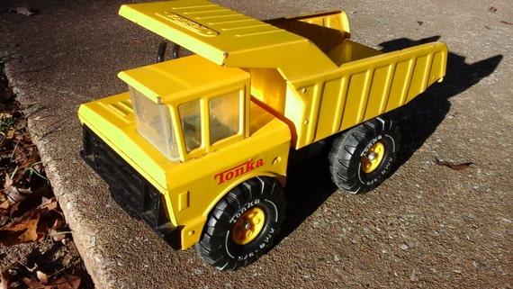 Camion benne tonka m tal jaune vintage vintage tonka camion - Camion benne tonka ...