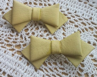Vintage Light Yellow Leather Bow Shoe Clips