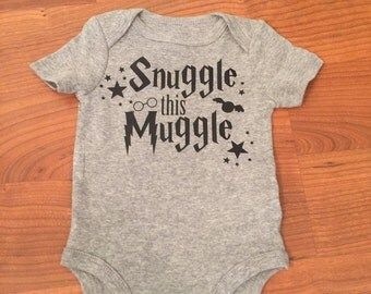 Snuggle this muggle bodysuit, harry potter, baby wizard, harry potter baby, solemnly swear, mischief managed