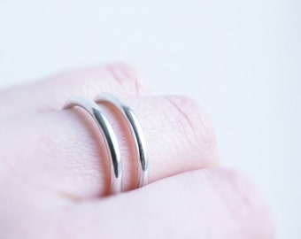 Sterling silver ring. Geometrical. Modern Minimalist. Fine Jewellery. Offered delivery.