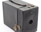 Canadian Kodak Hawkeye No 2 Cartridge Model C 120 Film Box Camera with original carry bag  c. 1926 Very good condition and tested