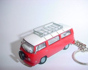 3D Volkswagen 'Field of Dreams' bus custom keychain by Brian Thornton keyring key chain finished in red/white trim diecast metal body vw van