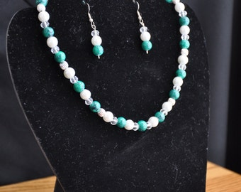 Green Swirled Necklace and Earring Set