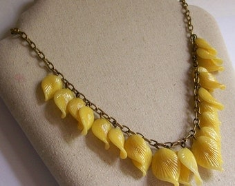 Vintage Yellow Glass Leaf Fringe Necklace Choker Dangling Leaves Jewelry