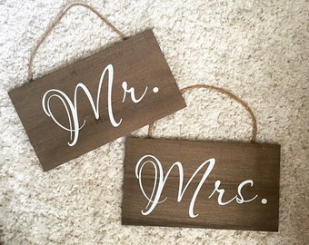 Wedding Chair Signs : Mr. - Mrs.