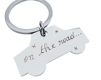 Keychain car customized to MOM, Dad, sister, girlfriend...
