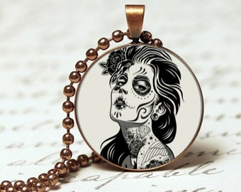 Day of the dead woman skull pendant necklace