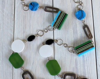 Long necklace on chain - necklace - gem mode - blue and green
