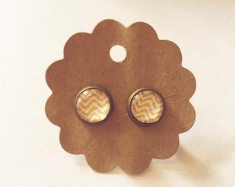 Cabochon earrings zig zag