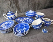 Vintage Blue Willow Transferware Child's Toy Dishes Tea Set - Great Condition