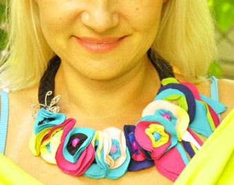 Hippie Lycra necklace/Woman summer necklace by Gabyga/Handmade floral necklace/Beautiful extravagant accessory/001