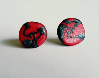 Charcoal and Raspberry coloured clay stud earrings.