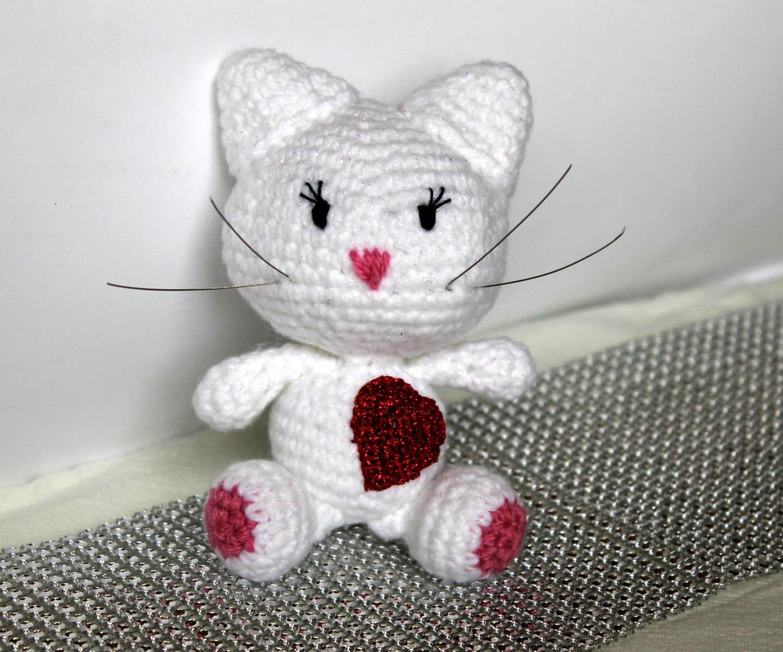 Amigurumi Cat Toys : Amigurumi Cat with heart. Soft crochet Cat. Crochet toys. Soft