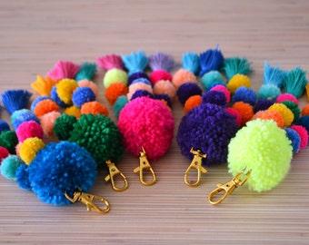 Pom pom porte-clés Pom pom sac charme pompon porte clé fluo rose pompons sac breloques sac à main breloque Boho accessoires sac à main charme gland clip
