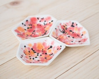 Small Geometric Ring Dish set of 3 in Poppy.