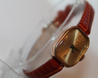 Vintage Ladies gold platinum Watch LUCH Made In USSR Soviet Russian Watch.Luch 1800.1970s.Gold-Platinum 10AU
