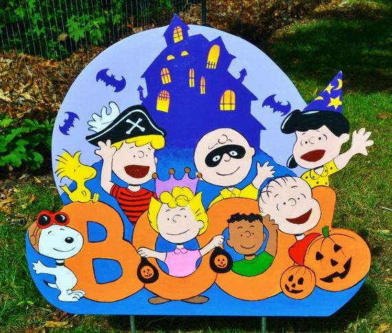 Peanuts Gang Lawn Halloween Decor by LawnArtDeco