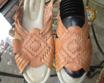 Made in Mexico leather huarache sandals for Softstep. Like new vintage. Size 11 N