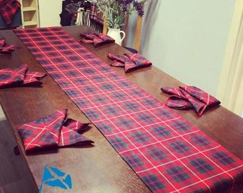 Tartan Table Runner and 6 Napkins in 100% Wool