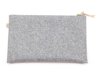 Wool pouch . Grey pouch. Wool clutch. Grey clutch