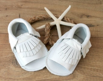 FREE SHIPPING! Gladiator Moccs in White // White Baby Mocassins // Baby Mocassins // Baby Girl Sandals // White Baby Sandals
