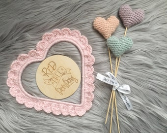 Medium heart wall frame