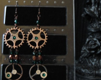 "Steampunk ""Sparkling Green"" earrings"