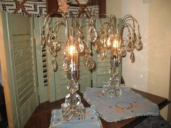 Vintage paire de lampe de cristal en cascade for Lampe de chevet cristal