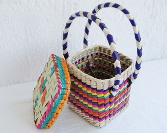 Small colorful Mexican bag made by tule fiber woven