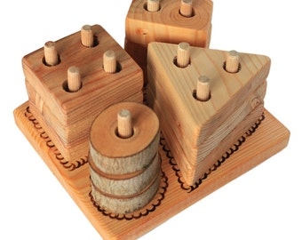 Wooden pyramid with 4 towers - Montessori toy - nature friendly for child's development