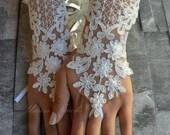 Free Ship lace glove, Bridal Glove, white lace gloves, lace gloves, Fingerless Gloves, bridal gloves  Free Ship, gloves, white glove