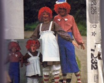 Misses' and Men's Boys' and Girls' RAGGEDY ANN & ANDY -  1980s