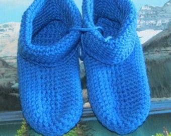 0461 Hand crochet slipper age 4 to 7 shoe size 13
