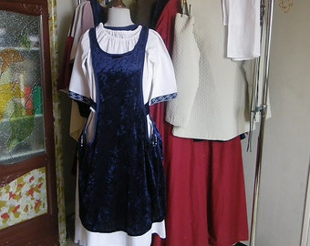 DRESS medieval maiden 8 / 10 years