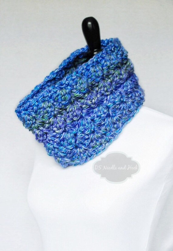 Blue, Green, Purple Crochet Cowl, Neck Warmer, Short Infinity Scarf, Textured Cowl -  Sedge Stitch, Periwinkle