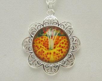 Flower Necklace, Flower Pendant, Flower Jewelry, Glass Pendant, Glass Necklace, Glass Photo Pendant
