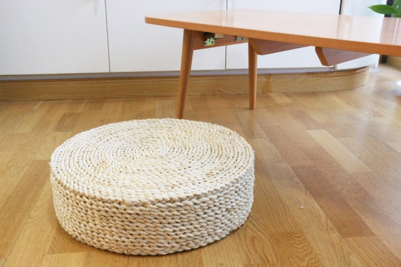 Round white straw floor cushion with sponge filling/Floor