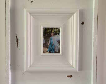 Large, distressed 4x6 shadow box picture frame.