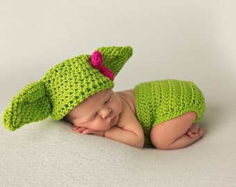 Crochet Baby Yoda outfit Hat with Diaper Cover, Yoda Hat, Baby Gift, Yoda Costume, Star Wars Outfit, Newborn picture, Baby halloween costume