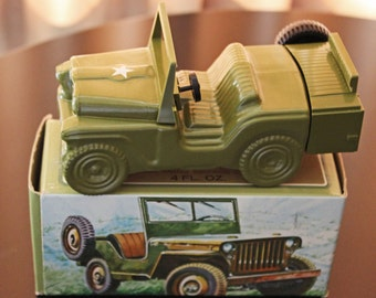 Avon Army Jeep Wild Country After Shave Full Bottle Original Box Excellent Vintage Condition