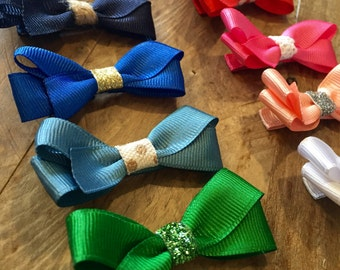 Set of 2 // Colorful Basic Boutique Style Hair Bow // Unique Center // Assorted Colors