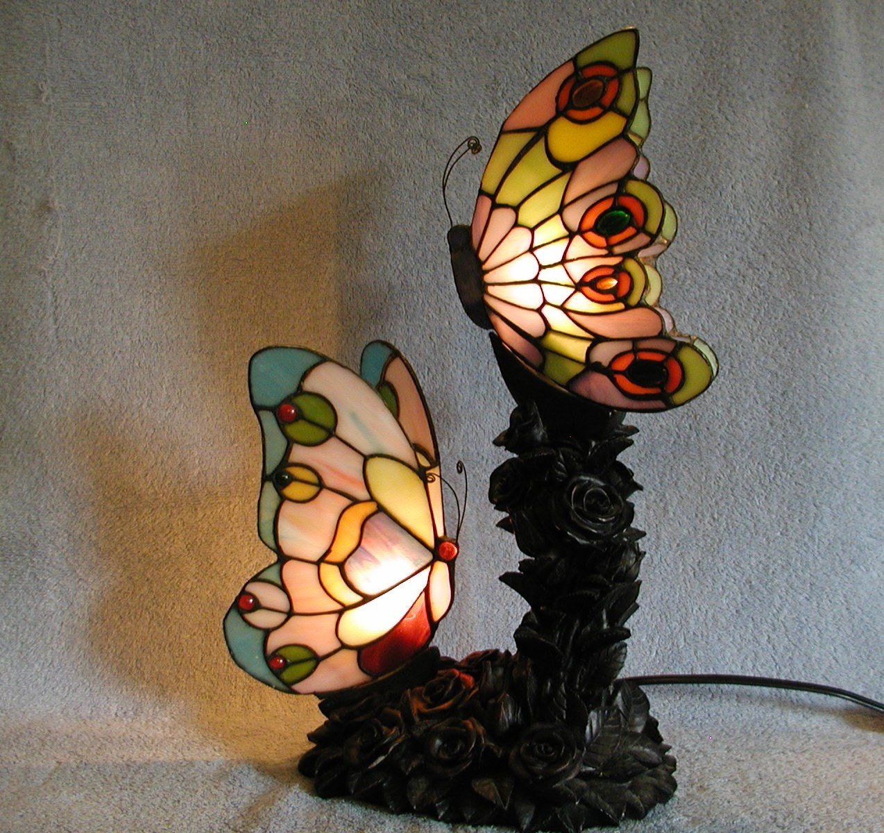 accent lamp stained glass butterflies. Black Bedroom Furniture Sets. Home Design Ideas
