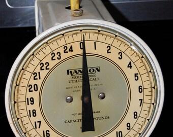 Vintage Hanson Utility Scale Model 2000