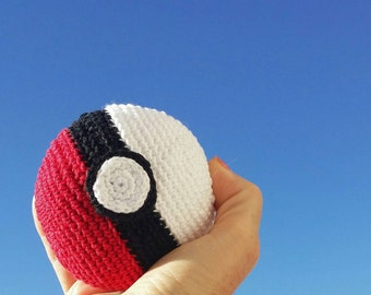 Wallet Click Clack Pokeball handmade in France in 100% crochet cotton ready to offer Pokemon Pokemongo