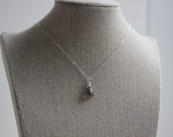 Gray Labradorite Necklace - Small Labradorite Necklace - Labradorite Jewelry - Labradorite pendant - Gemstone Necklace - Gift for her